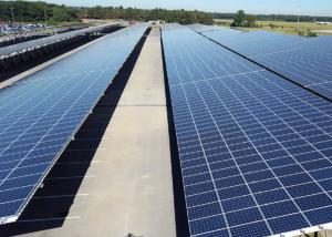 Größtes Solarcaport in Deutschland am Flughafen Weeze